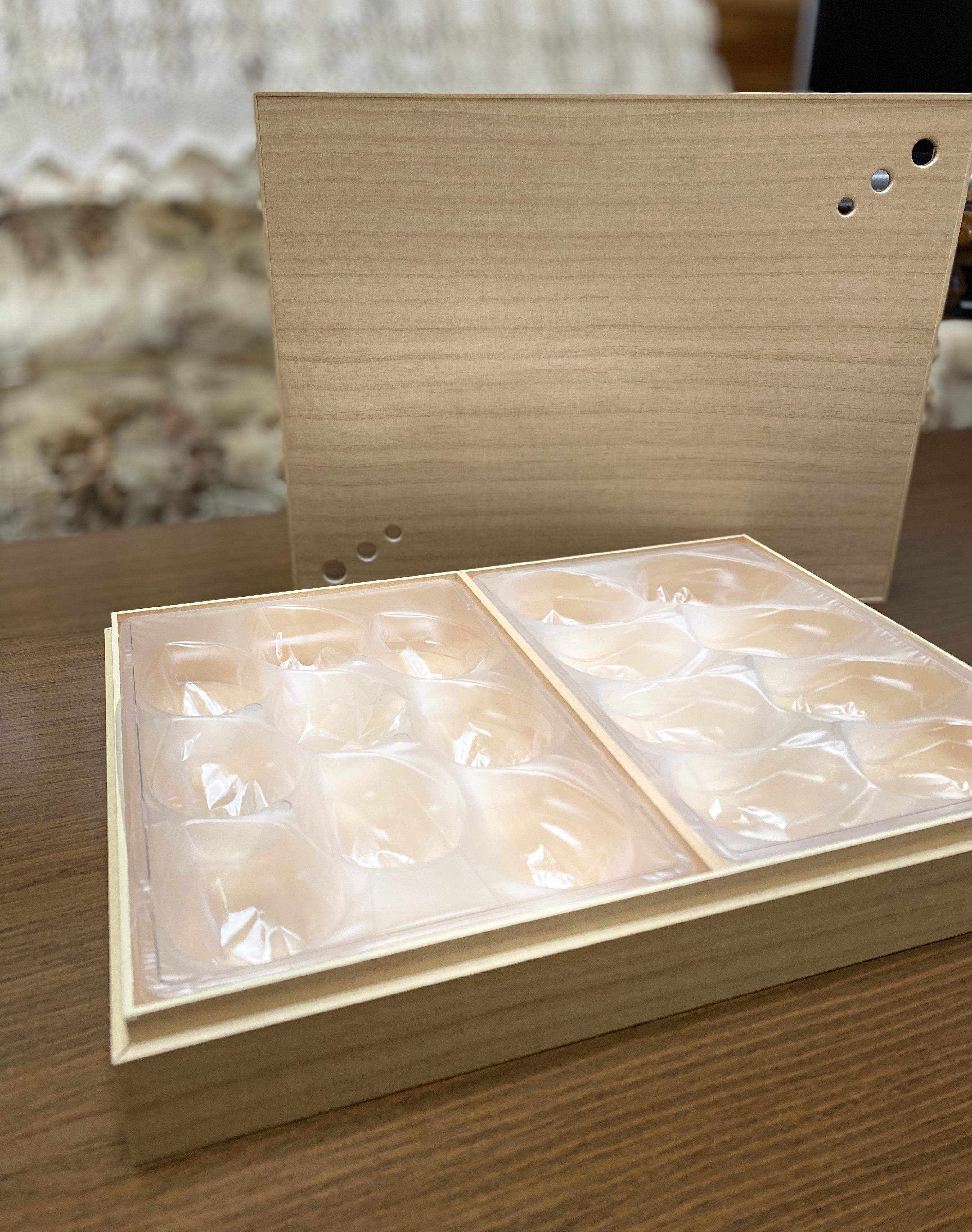 イチゴ用桐箱風紙箱。限定販売します‼︎